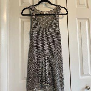 ☘️Cabi Tank Black & White Knit Sleeveless Sweater